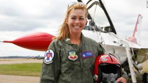 female pilot USAF