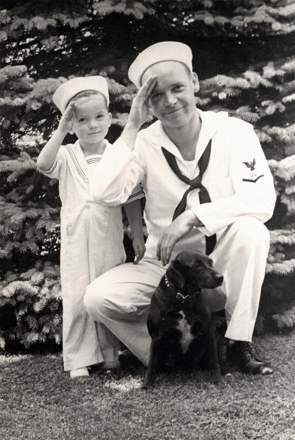wwii-us-navy-sailor-and-son-historic-image